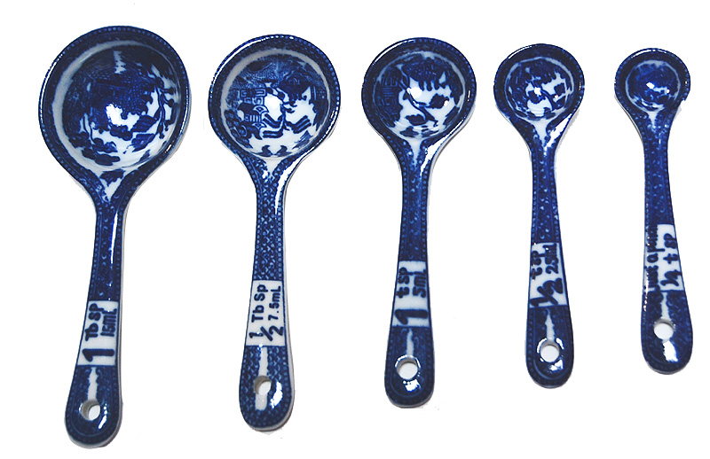 Blue Willow Ware Set Of 5 Measuring Spoons