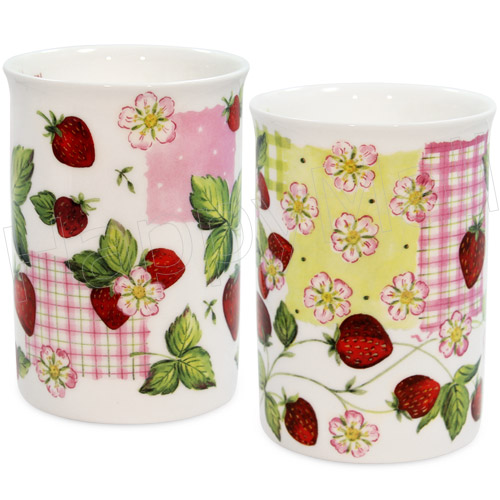 Strawberry Garden, Set of 2 China Mugs