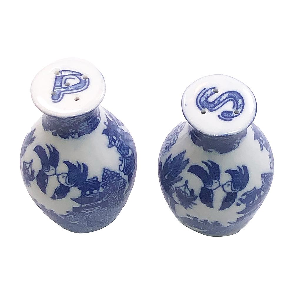Blue willow cruet salt /& pepper set Bone china shaped 2 piece egg shaped salt and pepper set
