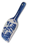 Blue Willow Ware - 7.75 L Scoop